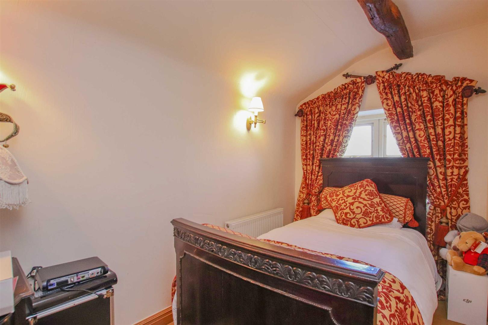 3 Bedroom Semi-detached House For Sale - p038856_17.jpg